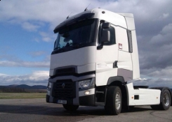 Renault Trucks T - International Truck Of The Year 2015
